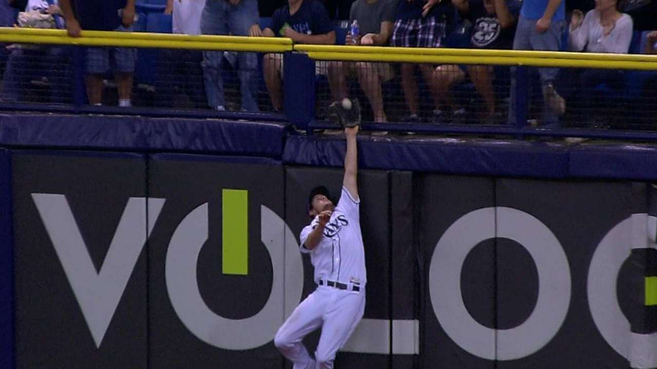 Wil climber: Myers makes clutch, leaping catch