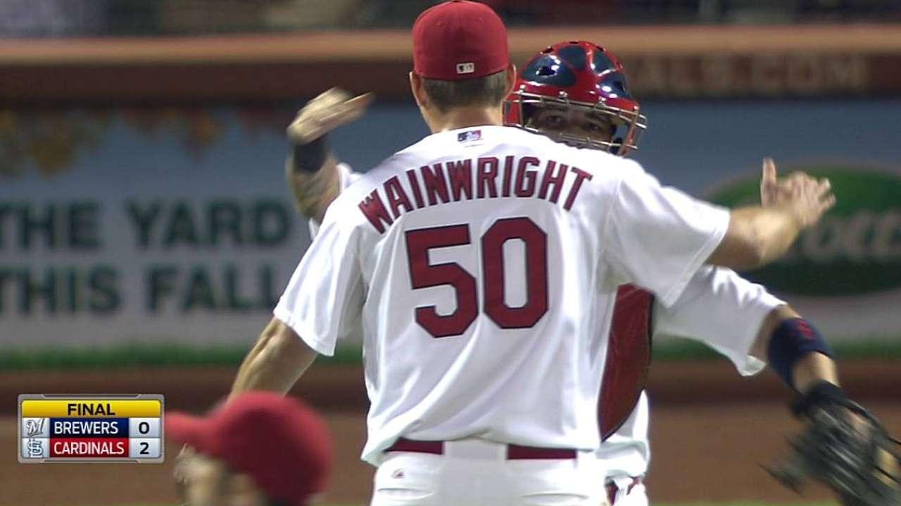 Un inspirado Wainwright blanqueó a los Cerveceros