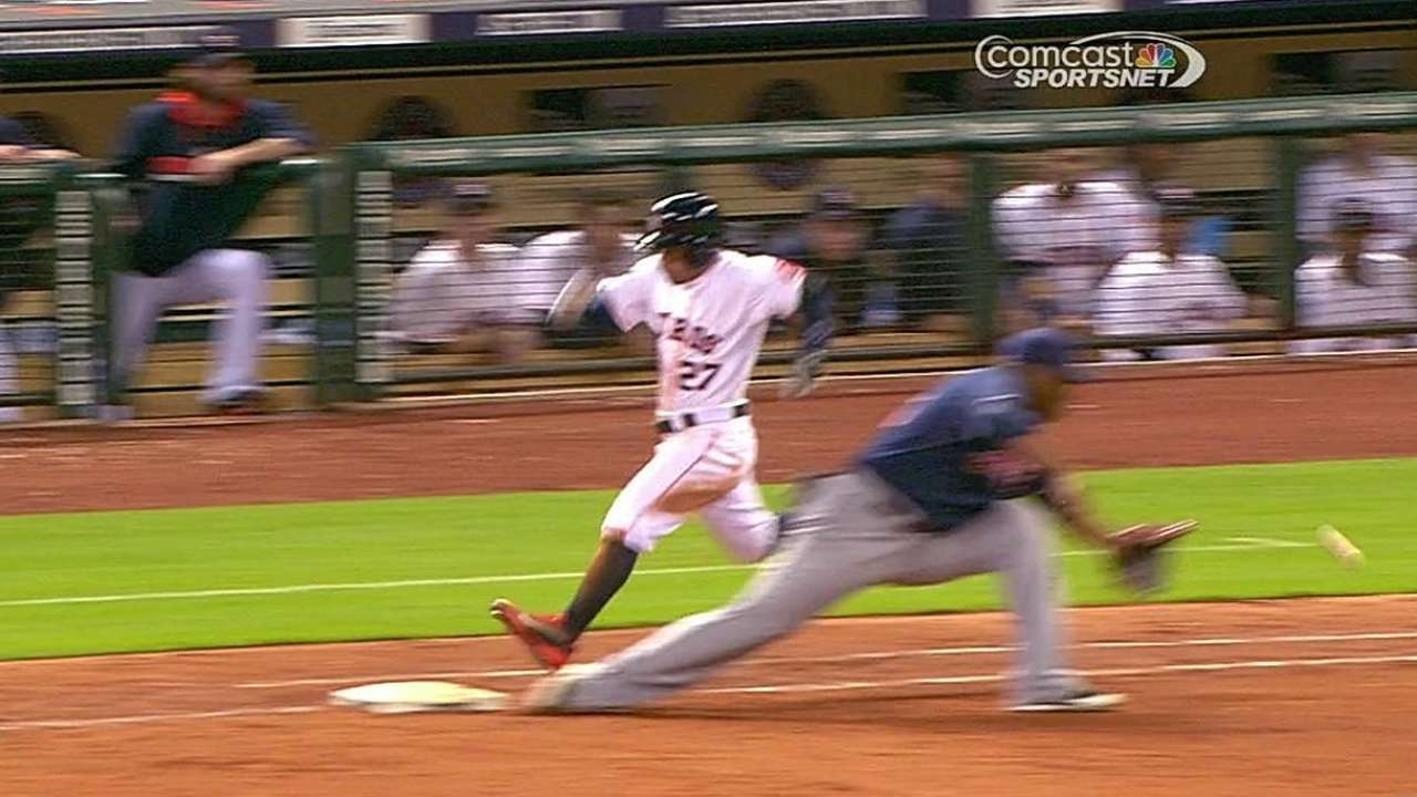 Altuve provides only offense for Astros in loss