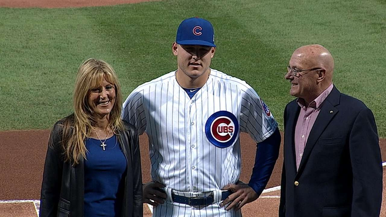 Rizzo youngest to win Branch Rickey Award