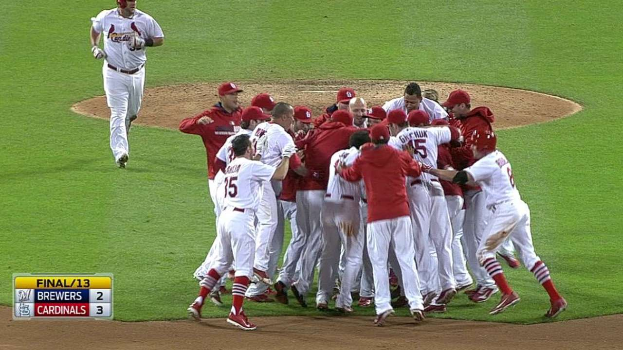 Walk-off in 13th keeps Cards 2 1/2 games up