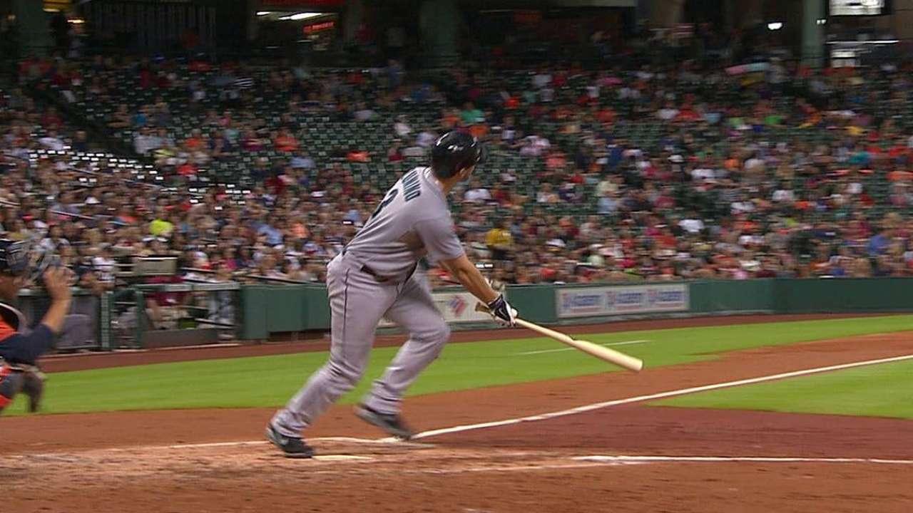 Zunino continues to pile up extra-base hits