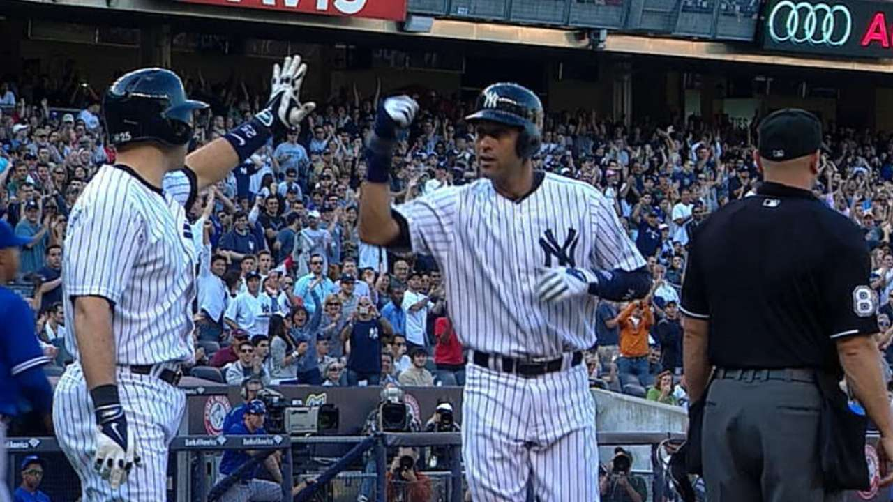 Jeter alone in ninth place with 1,920th run scored