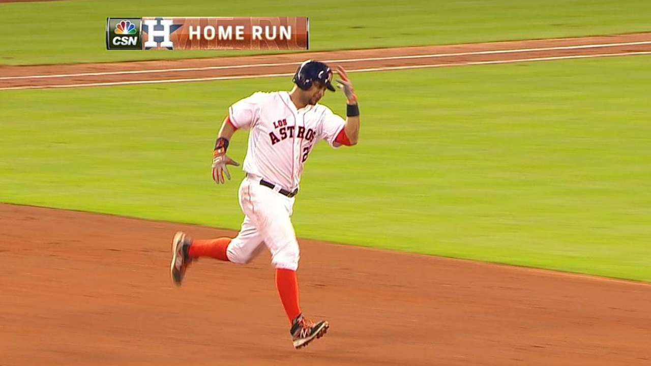 Corporan's back-to-back homer