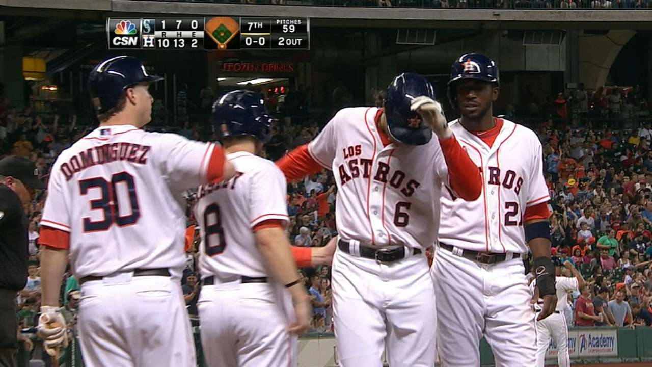 Five homers propel Astros to blowout of Mariners