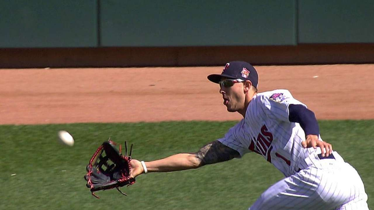 Elbow issue may limit Schafer to pinch-running role