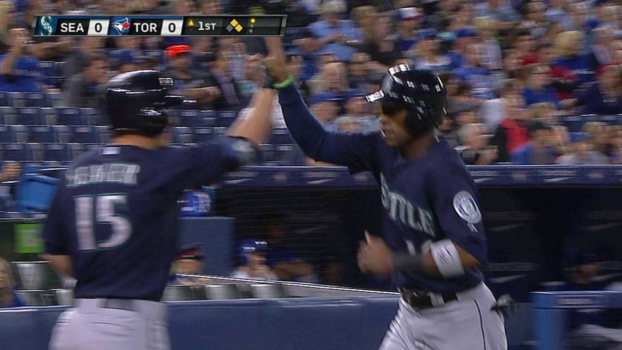 Battle-tested Cano stressing focus for Mariners