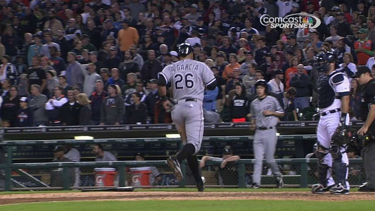 White Sox rally in ninth, fall to Tigers on walk-off