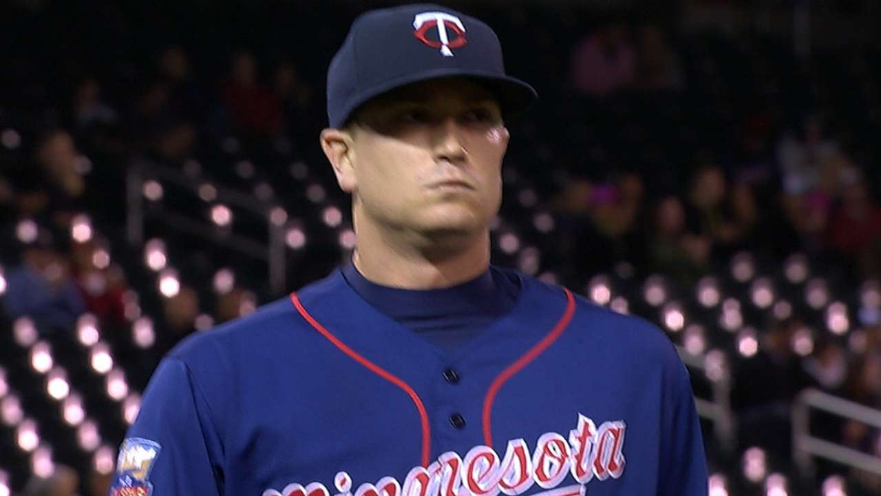 Gibson's solid outing leads Twins past D-backs