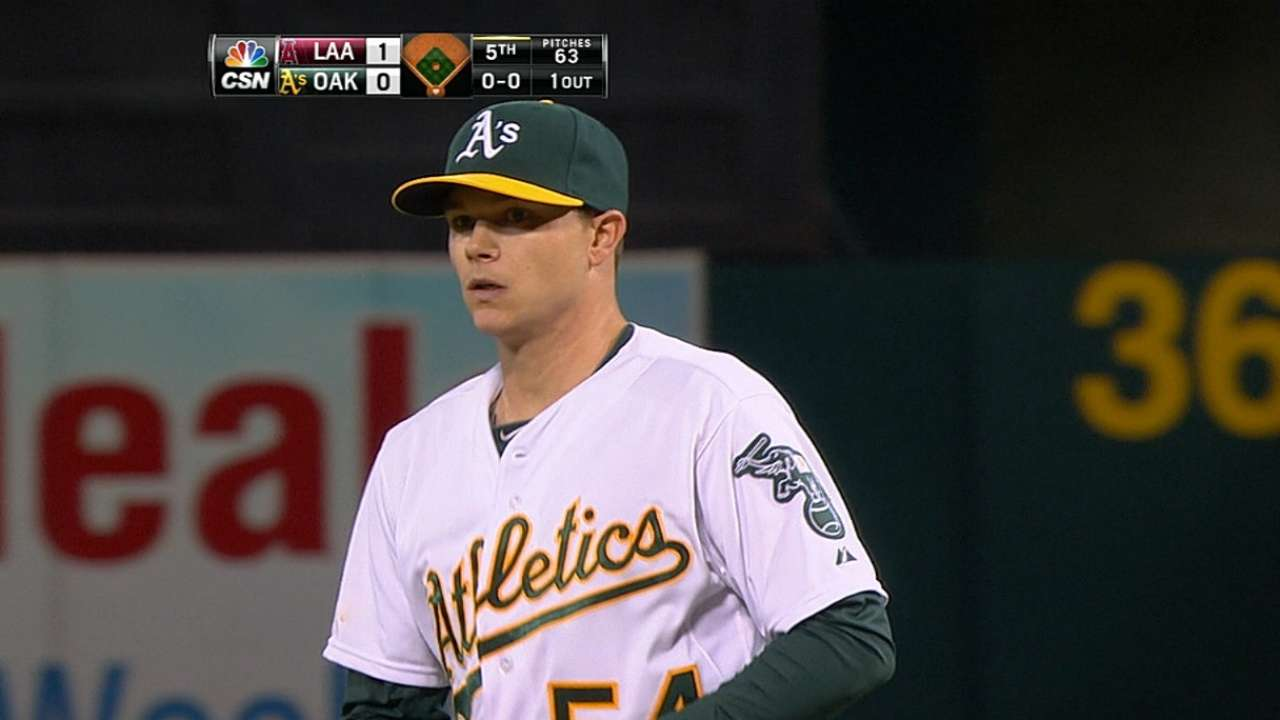 Gray K's 12, but A's fall back into tie with KC