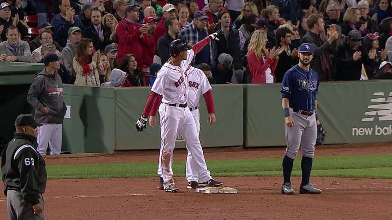 Bogaerts' two-run single