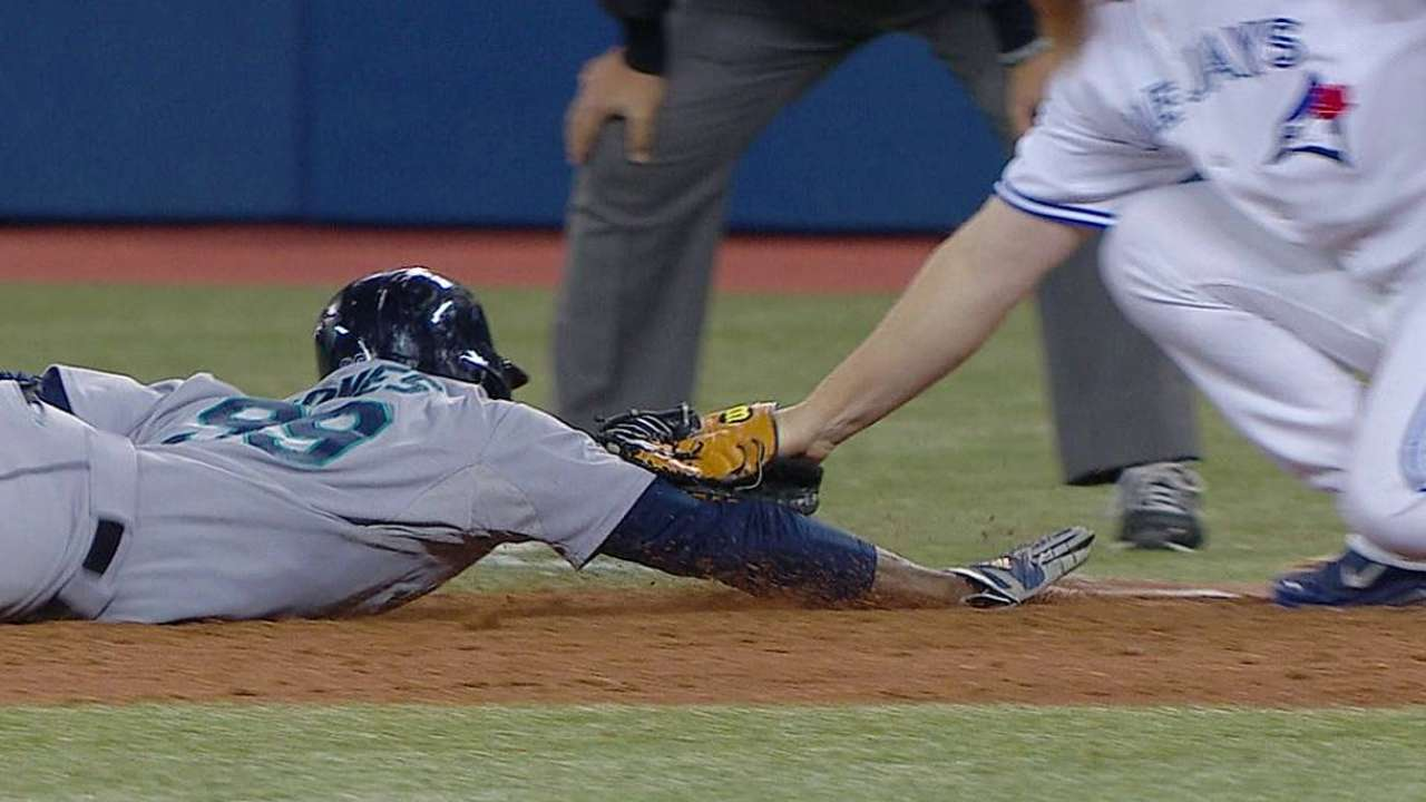Mariners on top in two of three reviewed plays