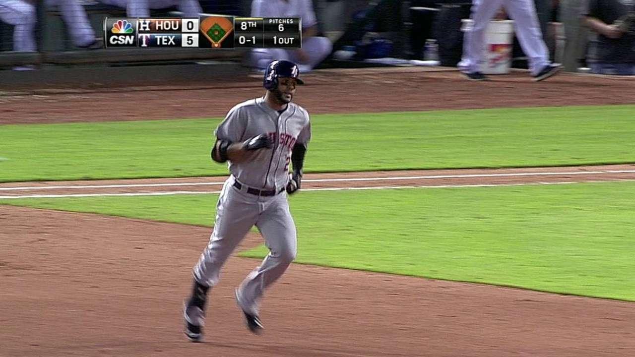 Villar dio jonrón pero Astros cayeron en Arlington