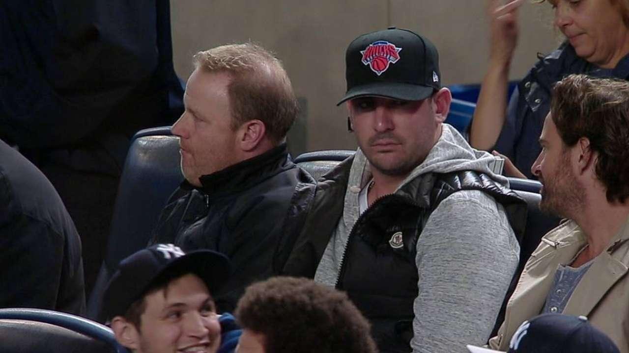 Harvey attends Jeter's farewell to Yankee Stadium