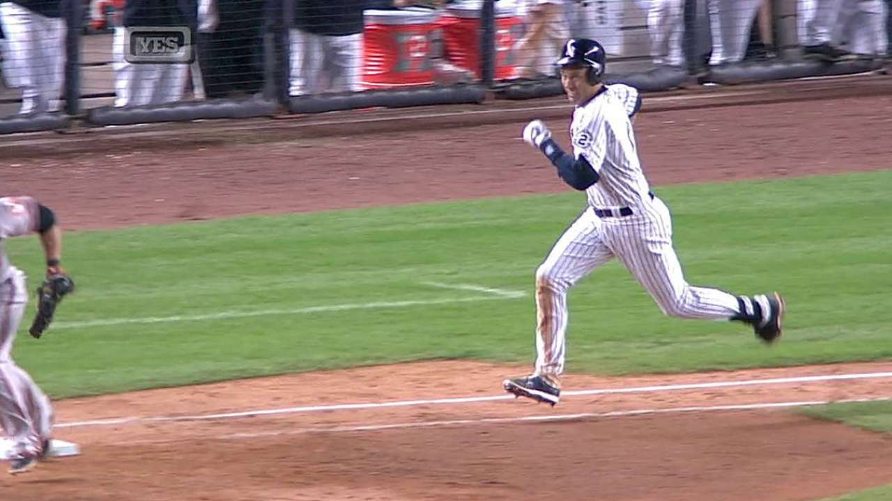 Jeter delivers with bases loaded in three-run seventh