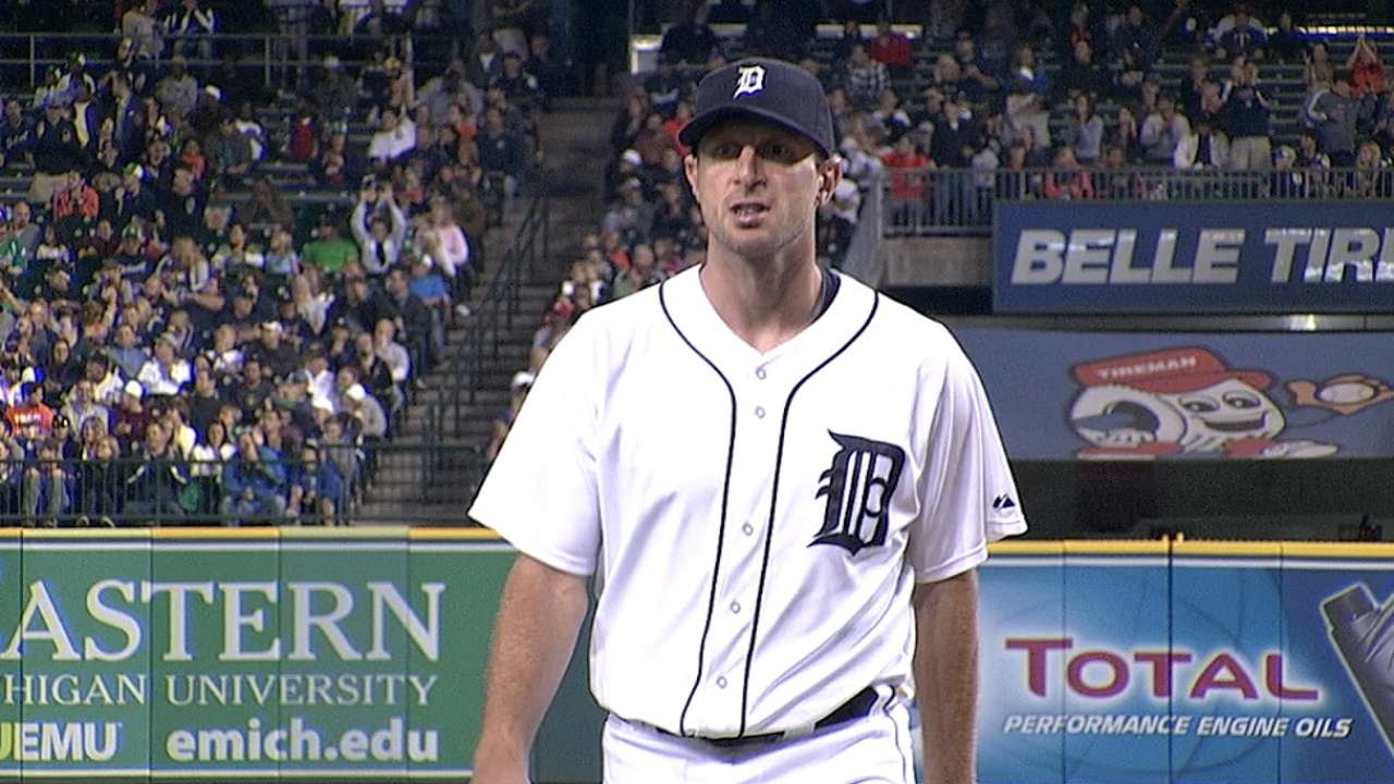 Scherzer clamps down as Tigers close in on title