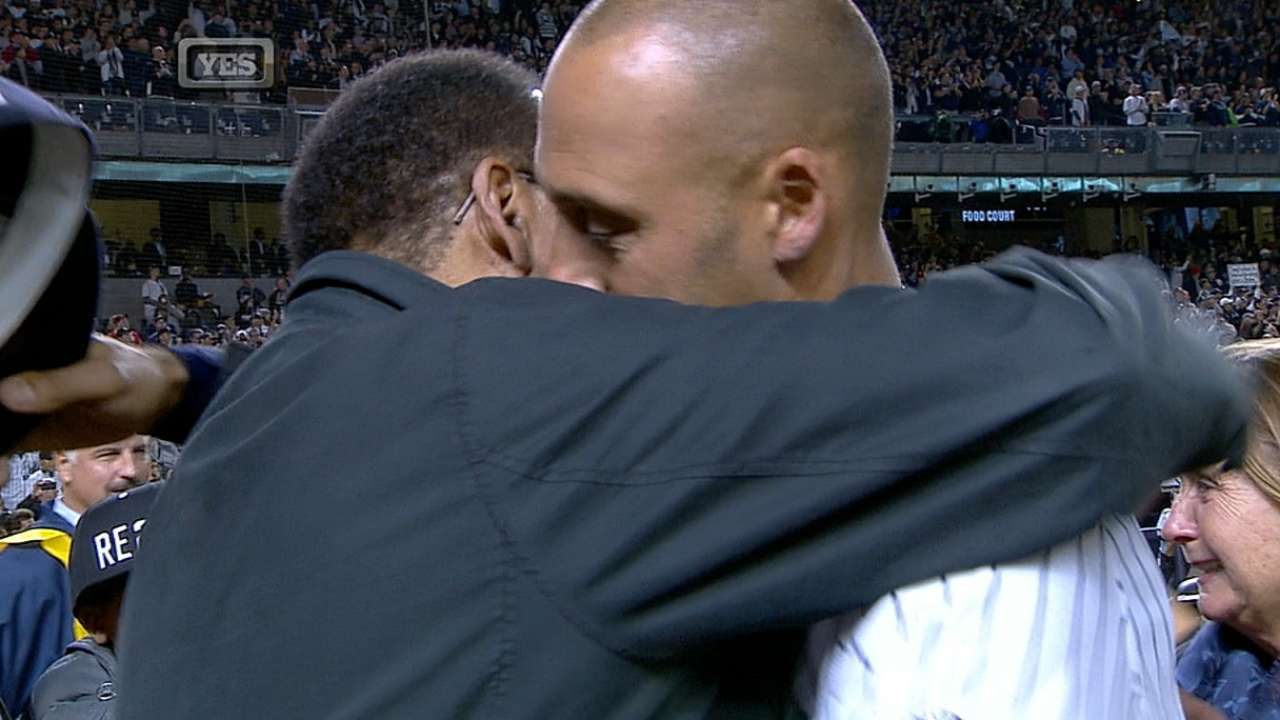 Jeter acknowledges his family
