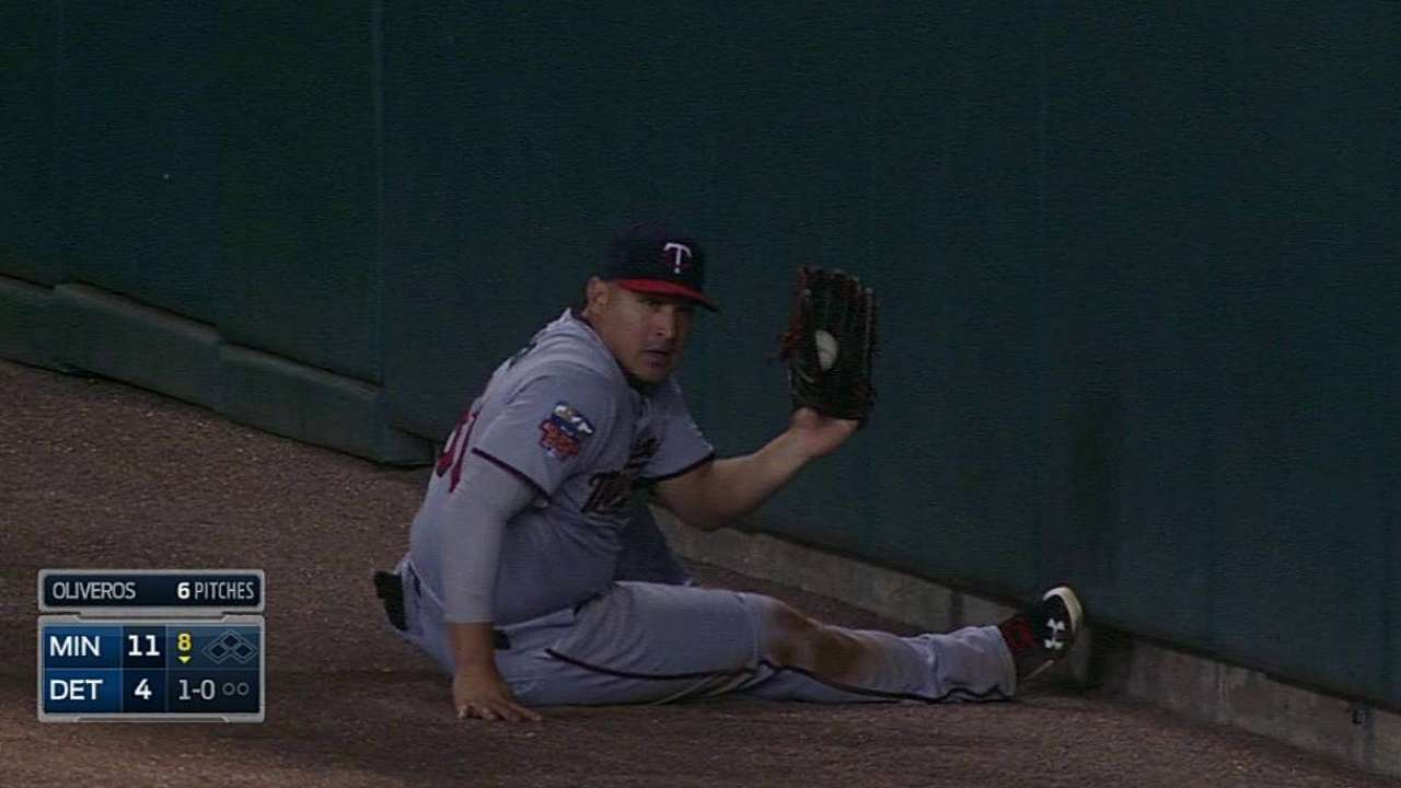 Arcia's outstanding sliding grab