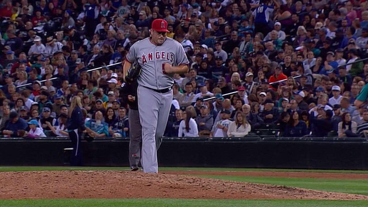 Astros invite reliever Thatcher to Major League camp