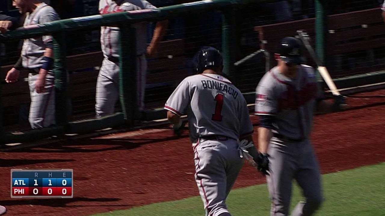 Braves close out rough September with win in Philly