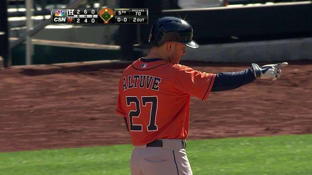 Altuve's two hits in finale lock up batting title
