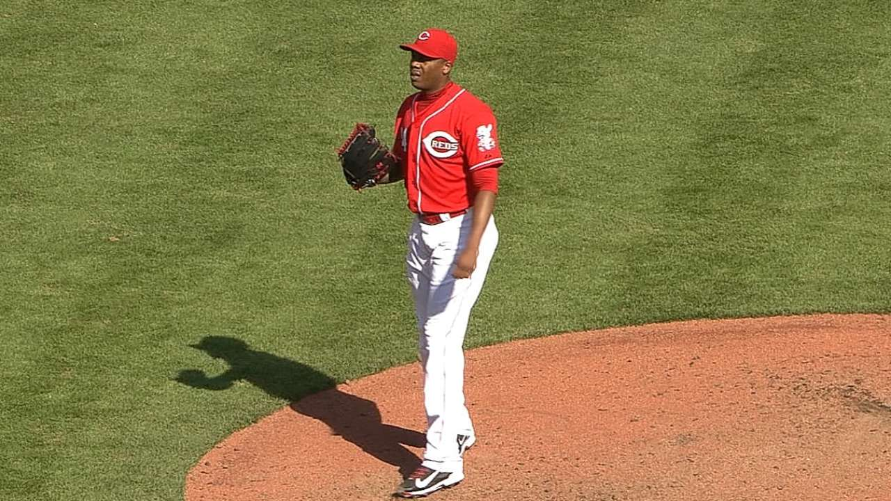 Chapman seals Cueto's 20th win