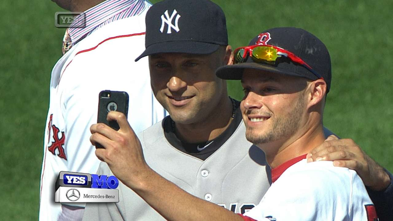 Kelly's selfie with Jeter