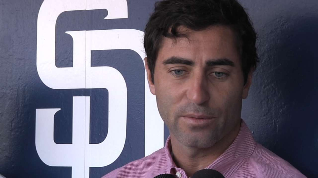 Padres name Kemp director of international scouting