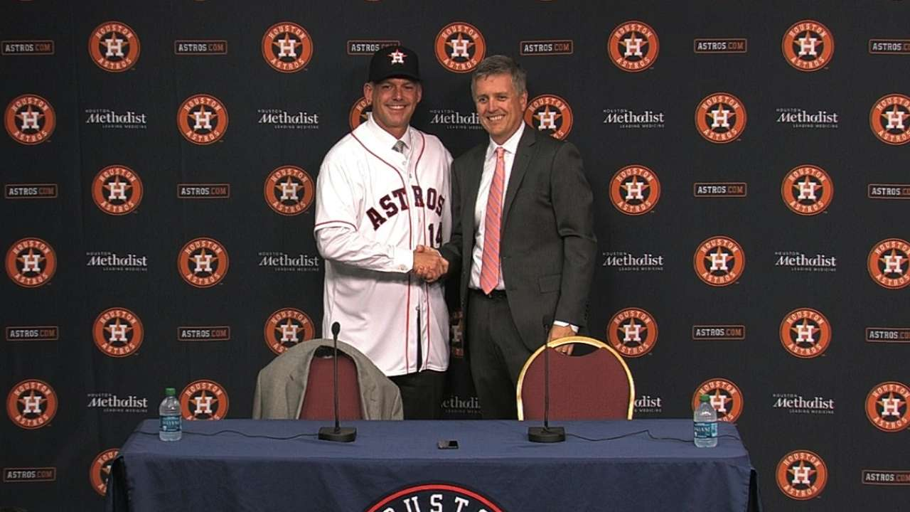 Astros players back Hinch managerial hiring