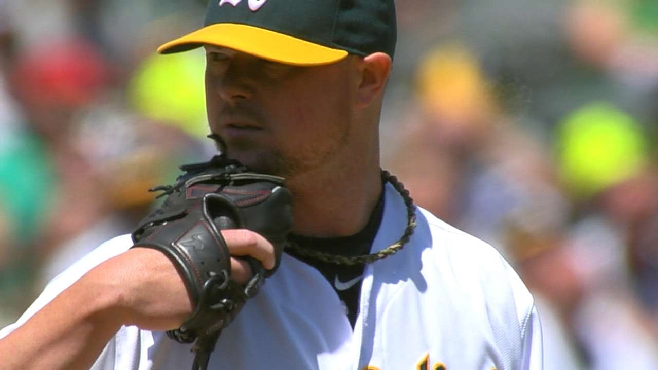 Lester keeps battling back, winning admirers