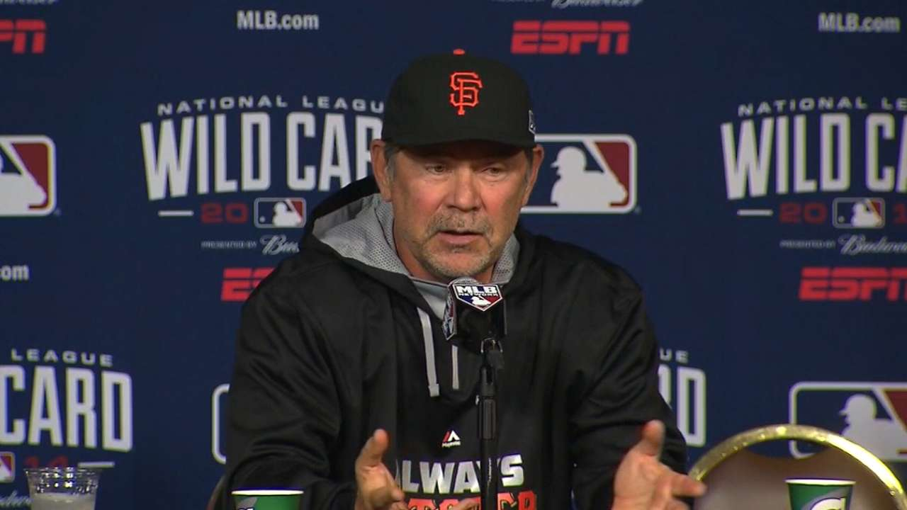 Giants take no chances, go with 10-man pitching staff