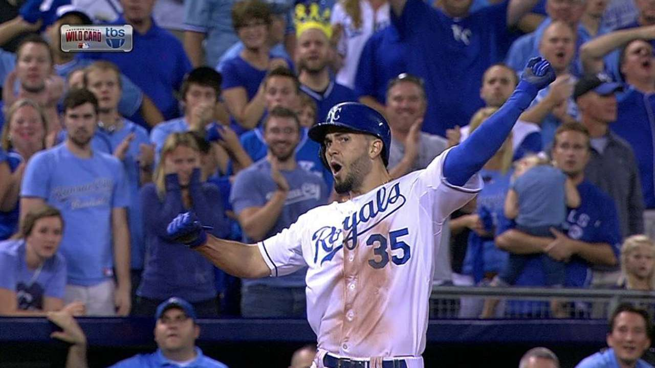 Hosmer's 12th-inning triple