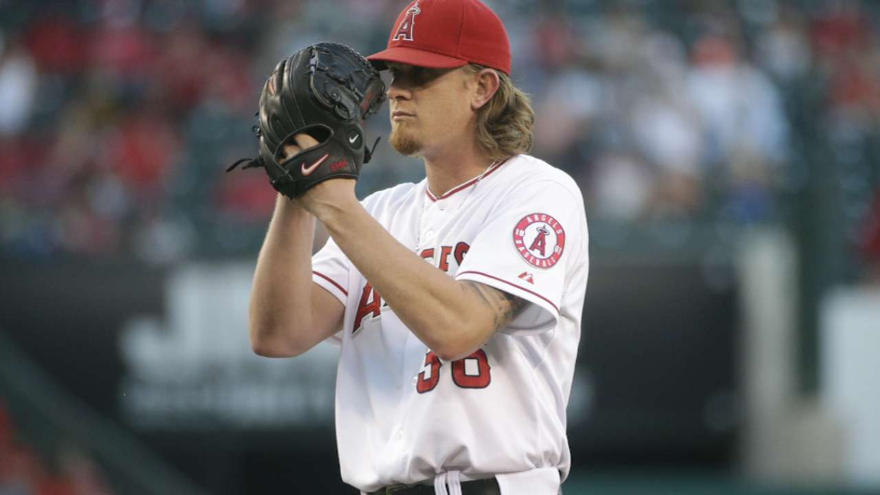 Weaver aims to mix up looks against KC runners