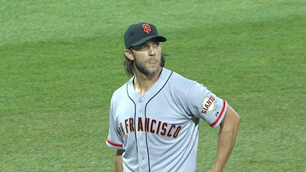Giants, MadBum slam Pirates in Wild Card