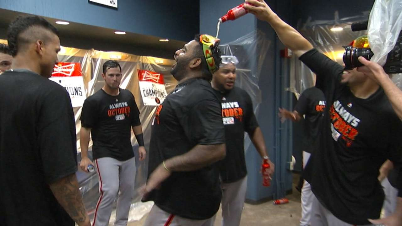 Do Giants celebrate Wild Card win? Yes! Yes! Yes!