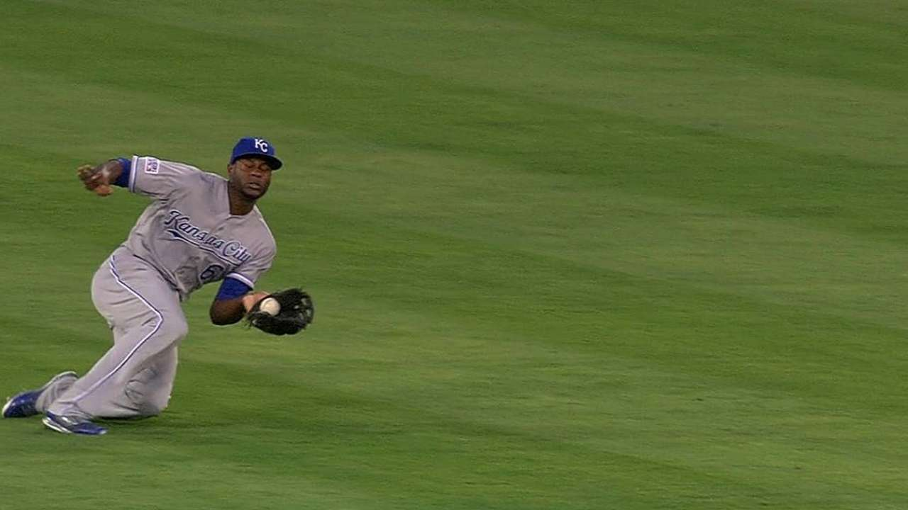 Cain breaks out mighty glove early in ALDS
