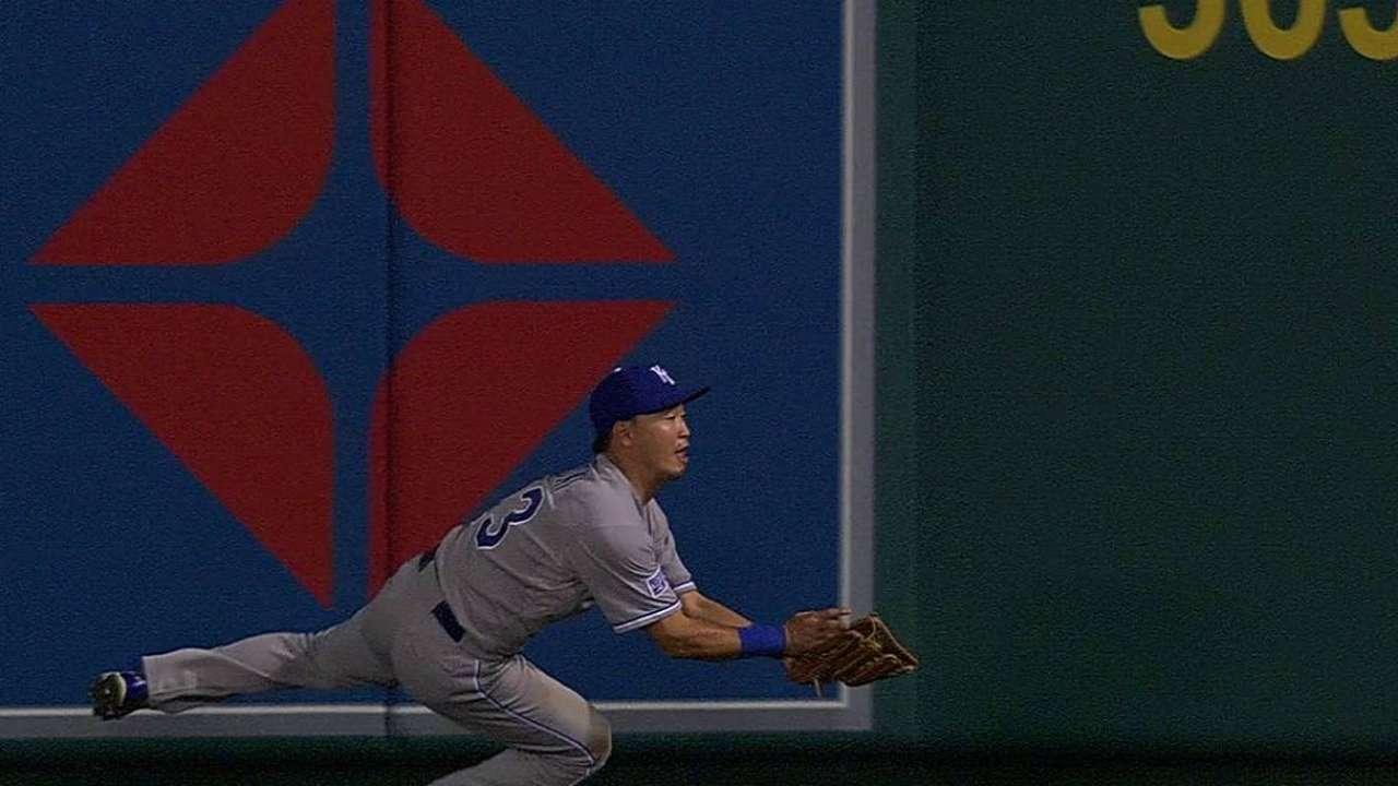 Aoki's acrobatic catch