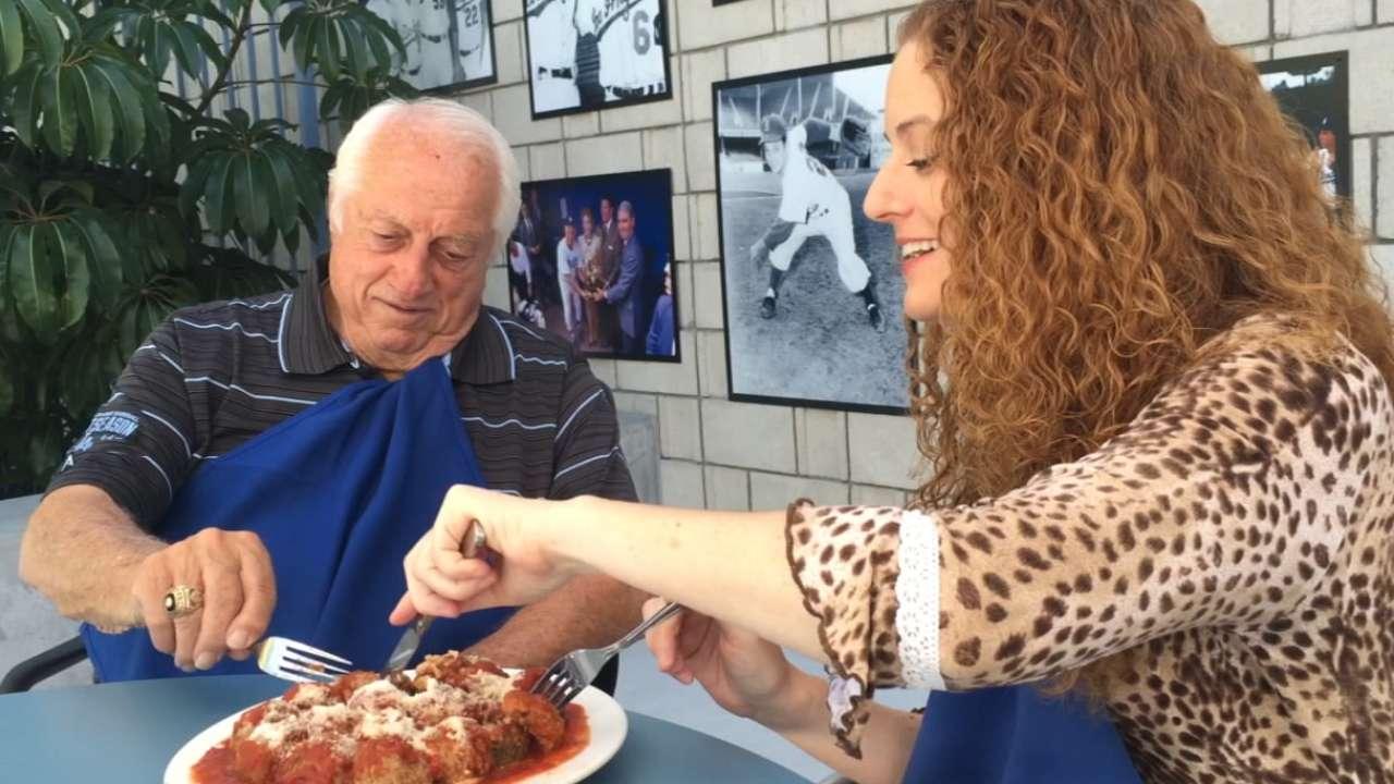 Lasorda shows off ballpark restaurant