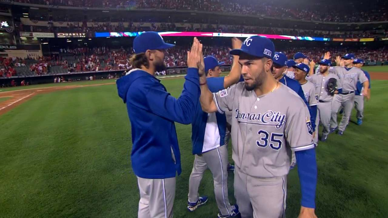 Royals on thrilling Game 2 win