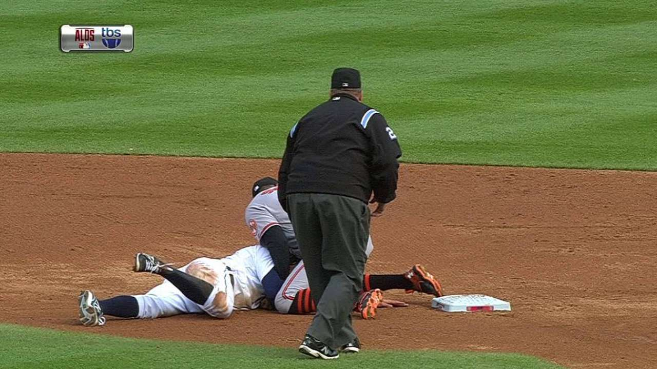 Tigers run into out on bases; Schoop blocks second