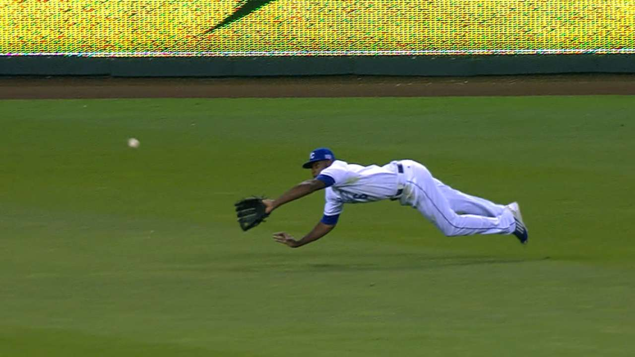 Cain's ability on display with back-to-back diving grabs