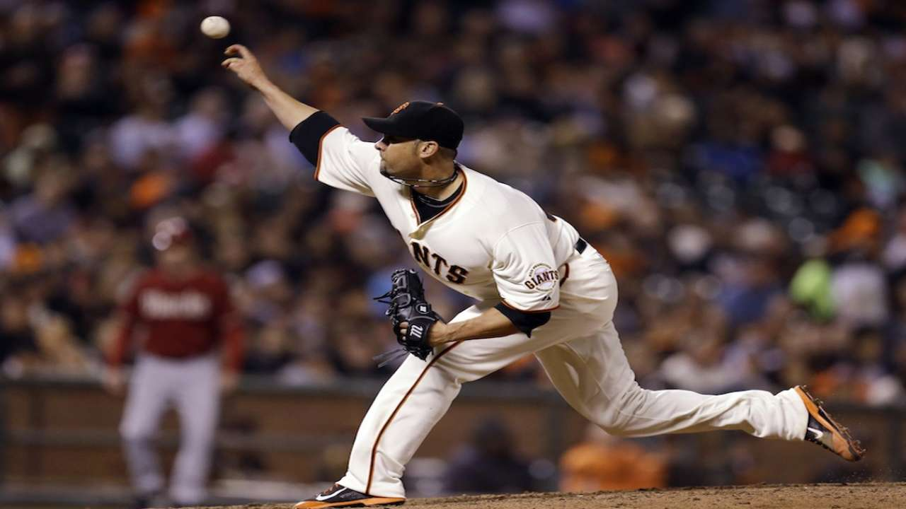 Vogelsong aims to pitch Giants into NLCS
