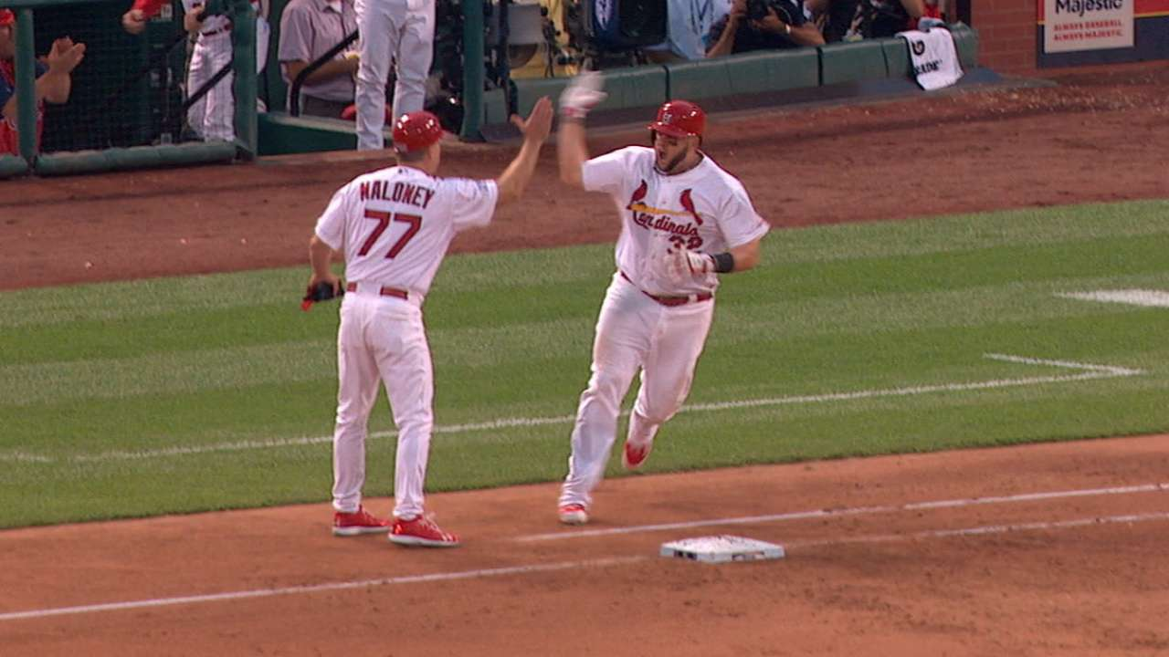 Big City bash: Adams adds to Cards' legendary homers