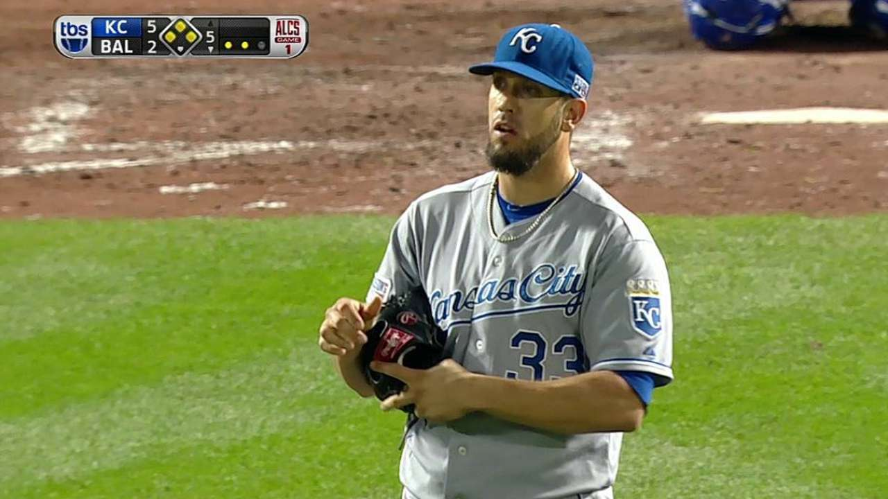 Shields dances out of trouble for Royals in fifth