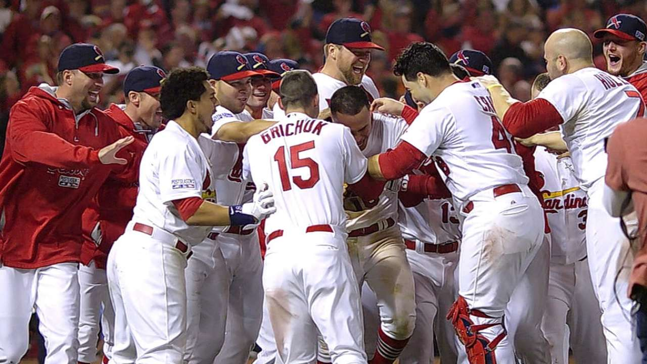 ALCS takes center stage after wild walk-off in NL