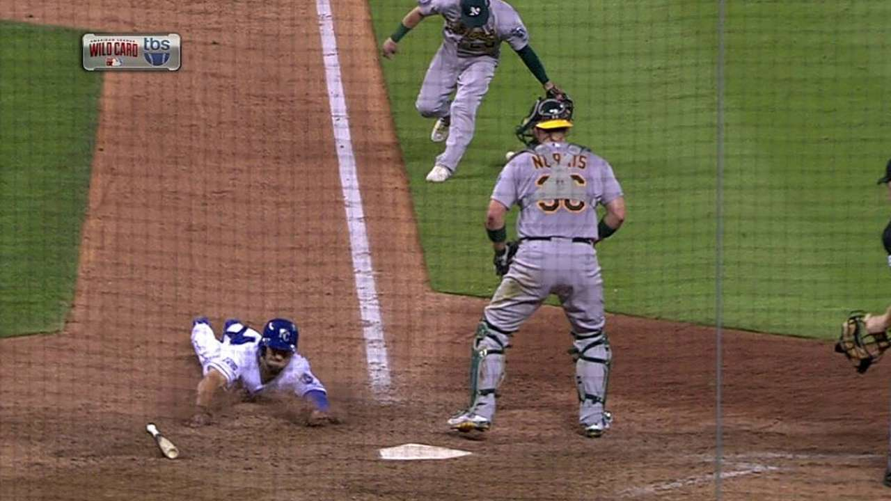Colon's game-tying infield hit