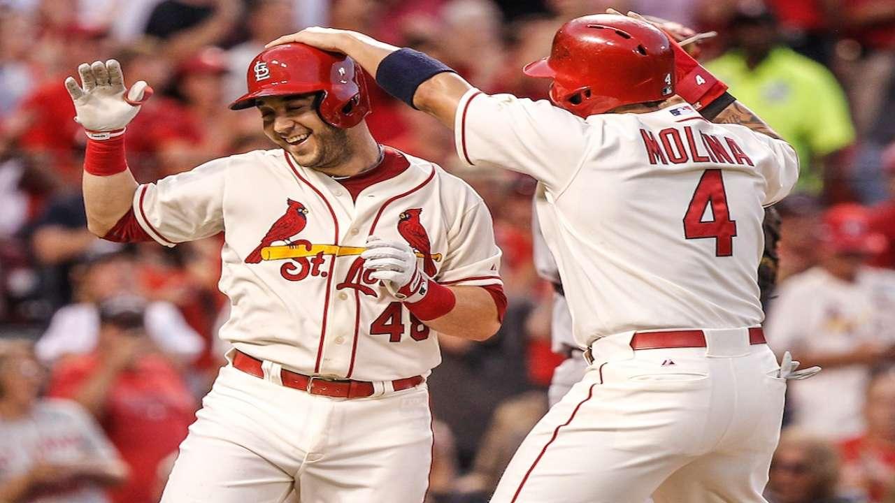 Cardinals remain confident despite Yadi's injury