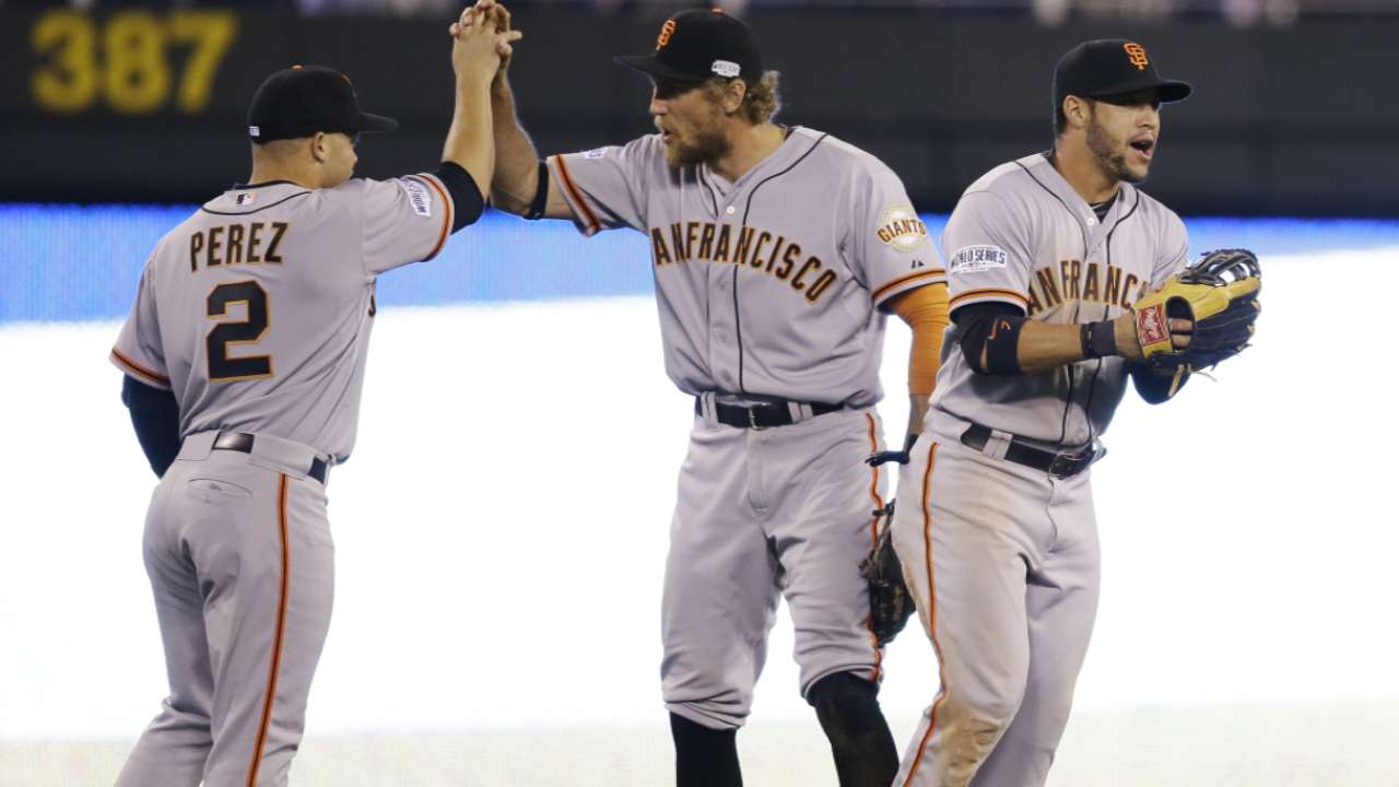 Bochy's call for pinch-hit bunt proves to be shrewd move