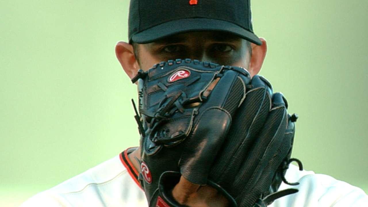 MLB Notebook: Bumgarner's postseason legend grows