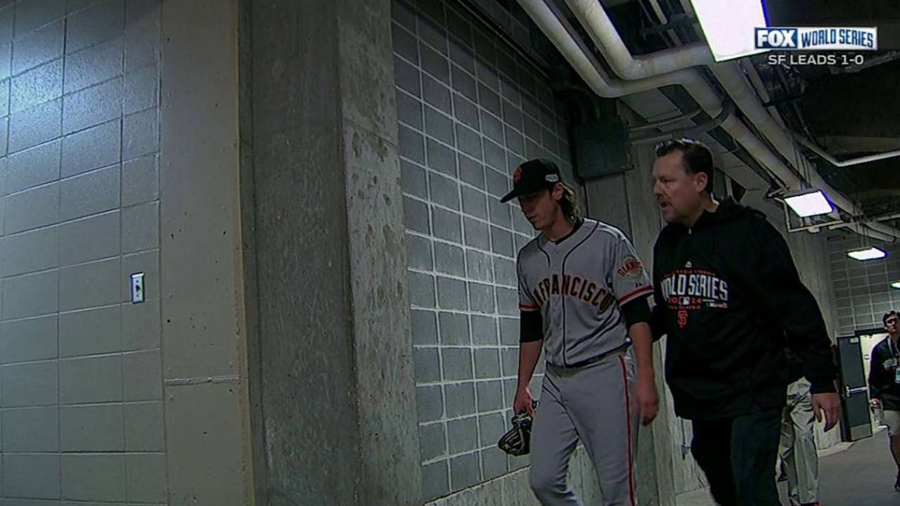 Tightness in back curtails Lincecum's return to action